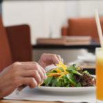 3 cosas que no conocías de los cheques restaurante